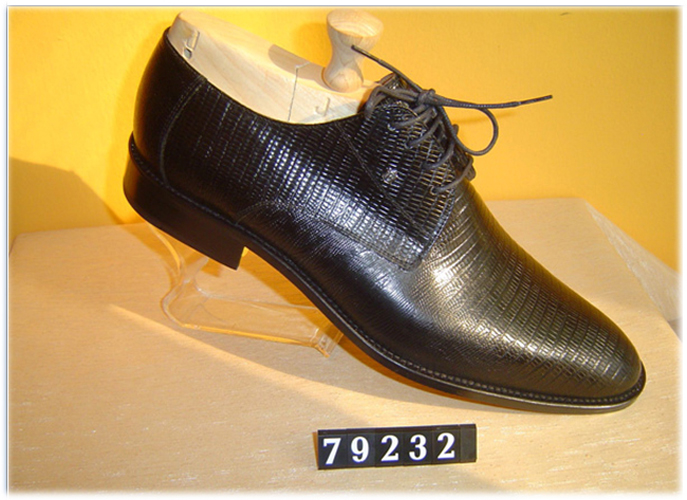 Pedro Camino textured patent shoes